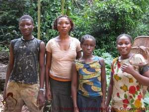 Congolese women and children near Kinshasa
