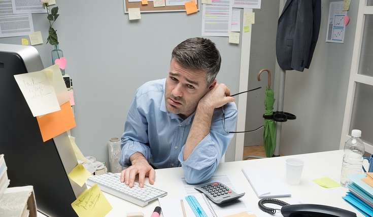 picture of man who's overwhelmed by the thought of SEO training